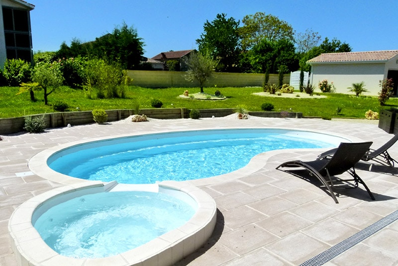 tarif liner piscine perfect piscine mosaique ou liner marseille bois soufflant piscine avec. Black Bedroom Furniture Sets. Home Design Ideas