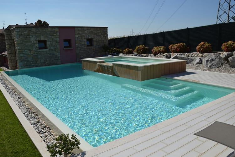 Prix de pose Liner piscine | Coût moyen & Tarif pose | Guide Septembre 2020