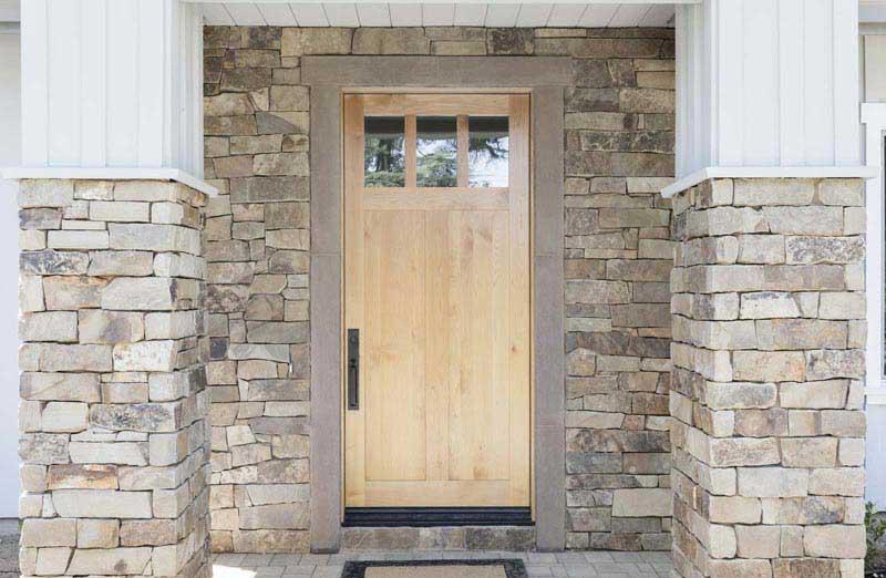 Prix d'une porte d'entrée en bois semi vitrée