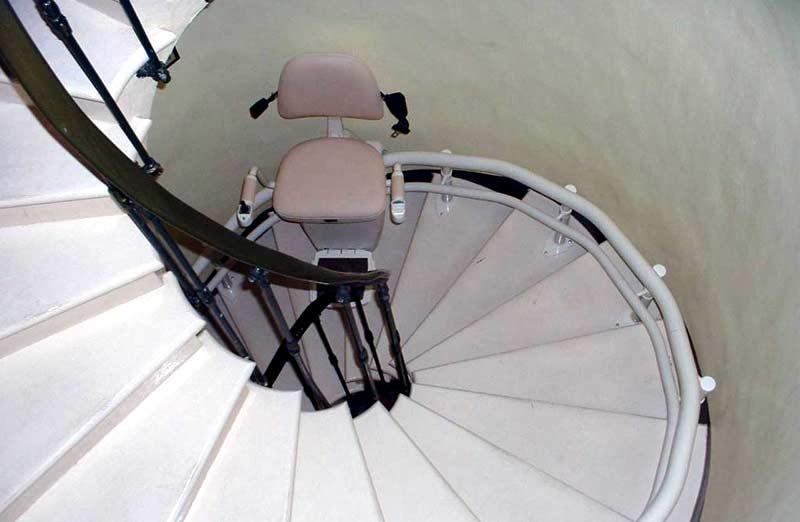 Prix d'un monte escalier colimaçon