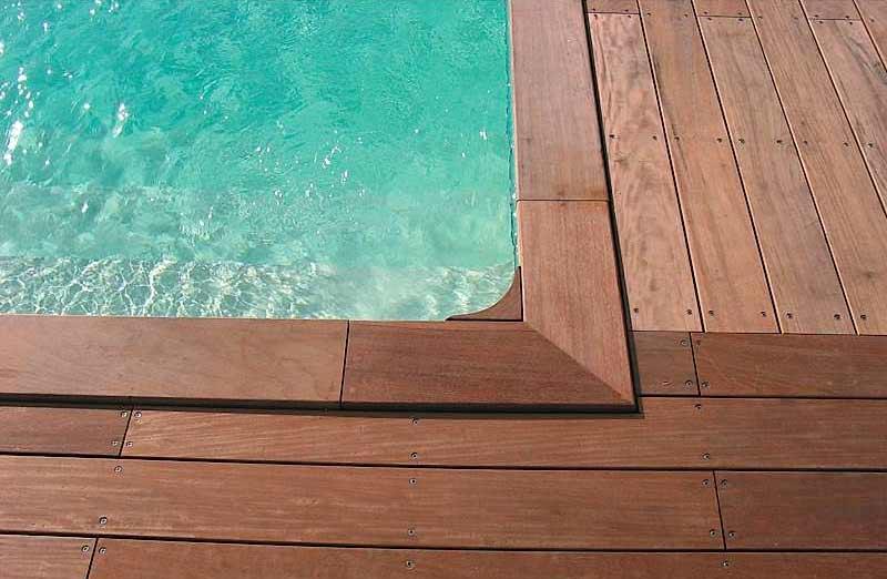 Prix d'une margelle de piscine en bois