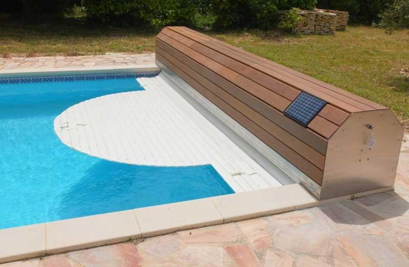 Prix d'un volet roulant solaire de piscine
