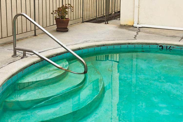 solution rattraper pratiques piscine verte