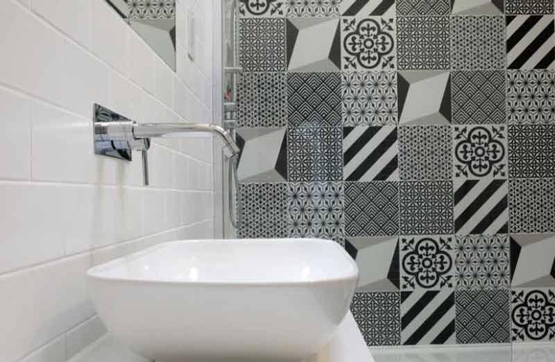 Quels matériau de parement pour isolant de salle de bain ?