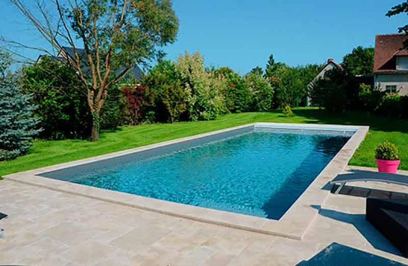 Par quoi commencer la rénovation d'une piscine en béton ?