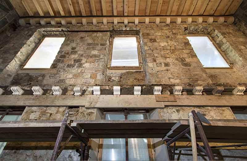 Isolation par l'intérieur d'une maison en pierre