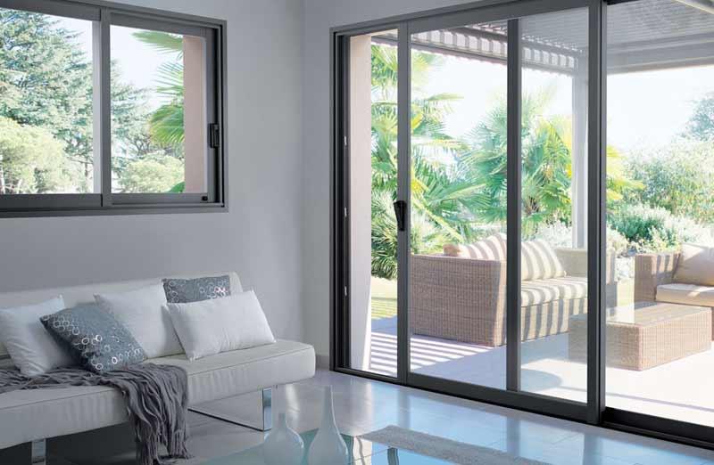Les avantages pratiques de la baie vitrée coulissante