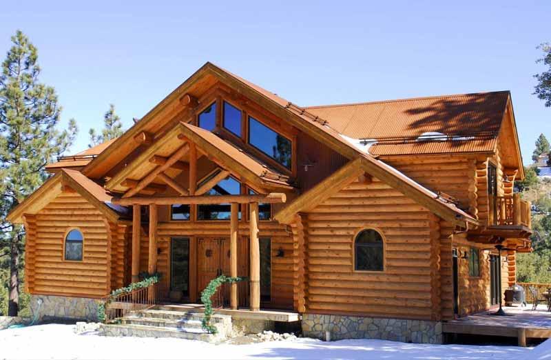 Construire une maison en bois massif empilé