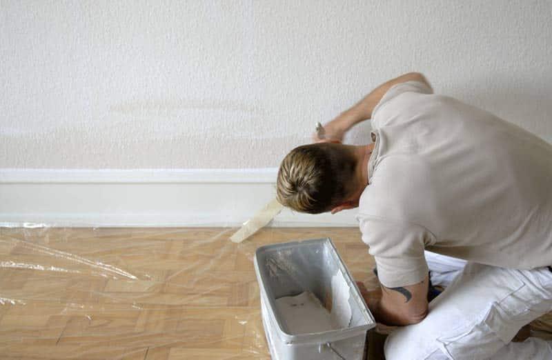 Comment peindre des plinthes ? Les étapes.