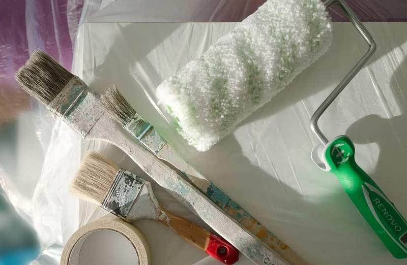 Les étapes pour peindre du plastique