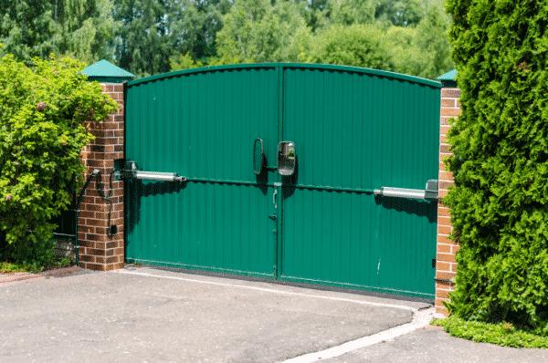 portail électrique vert