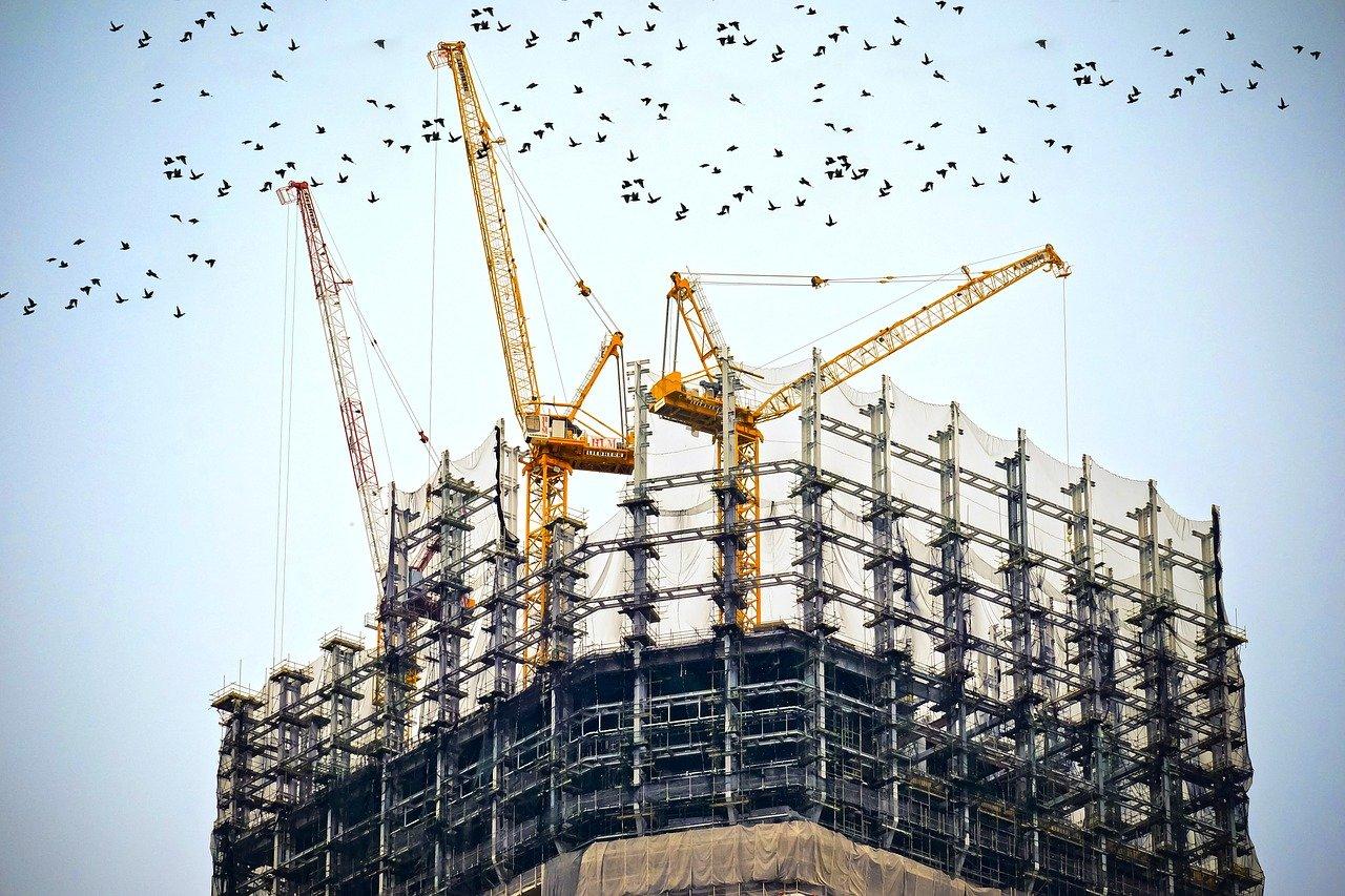 batiment industriel en construction