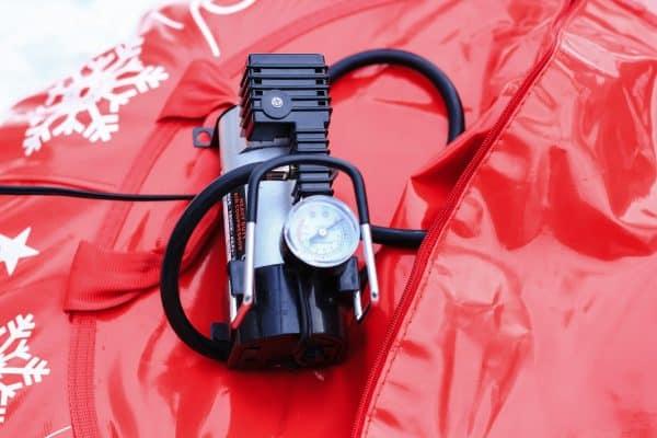 compresseur portatif pour gonfler les pneumatiques