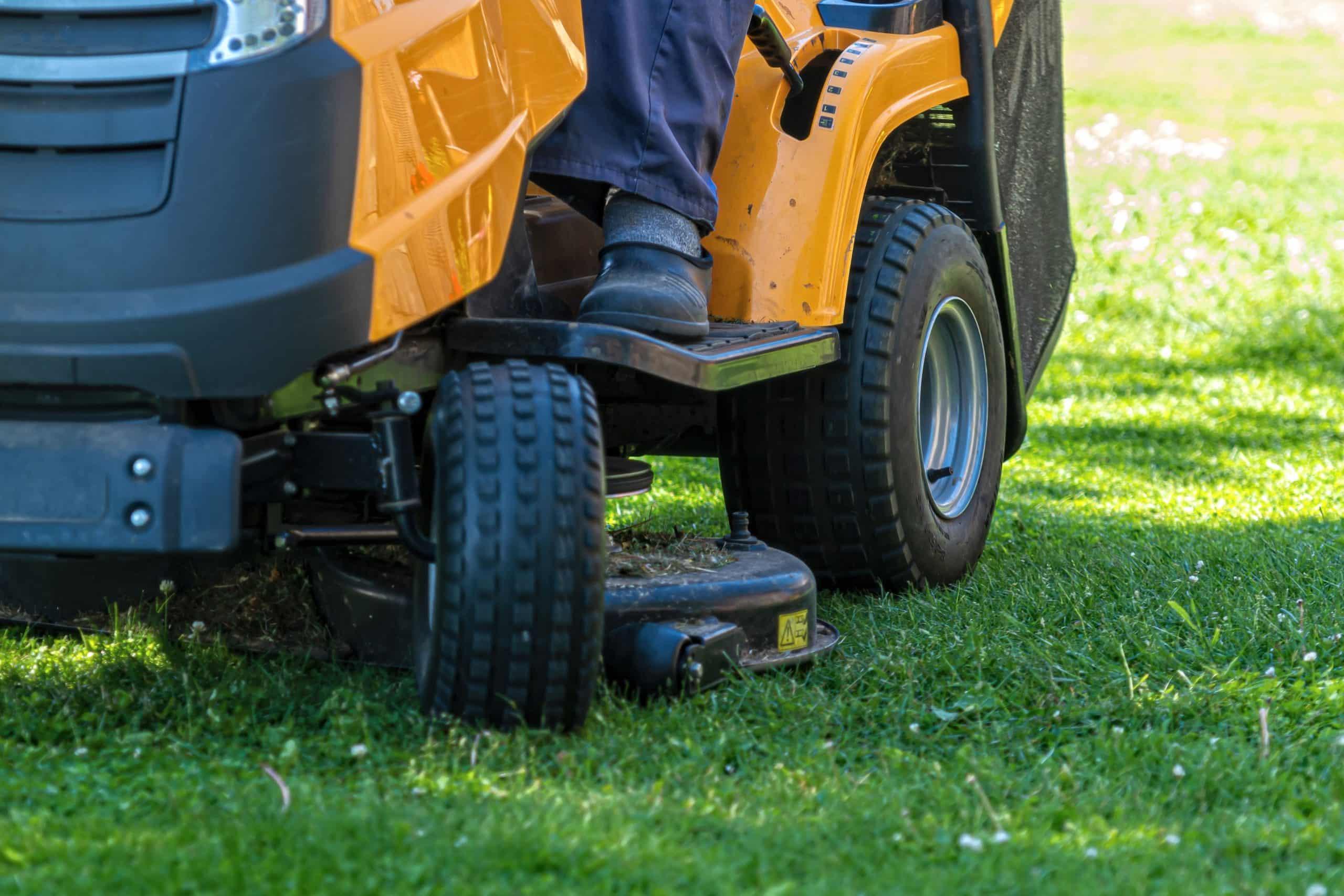 comparateur tracteur tondeuse