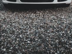 Quel est le prix du gravier pour faire une allée de voiture?