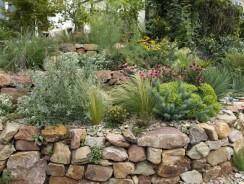 Enrochement de jardin : guide et exemples de réalisations