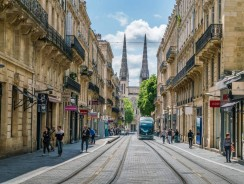 Immobilier : quel budget faut-il prévoir pour acheter à Bordeaux ?