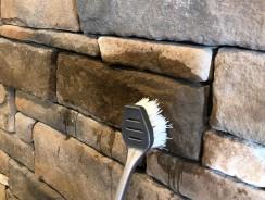 Entretenir un mur en pierre intérieur : comment faire ?